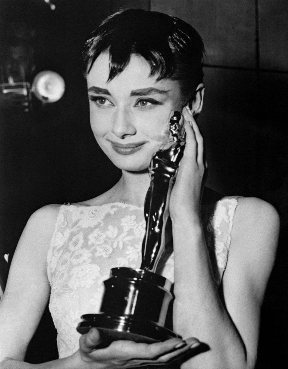 Download Audrey Hepburn Look Alike Instagram Pics