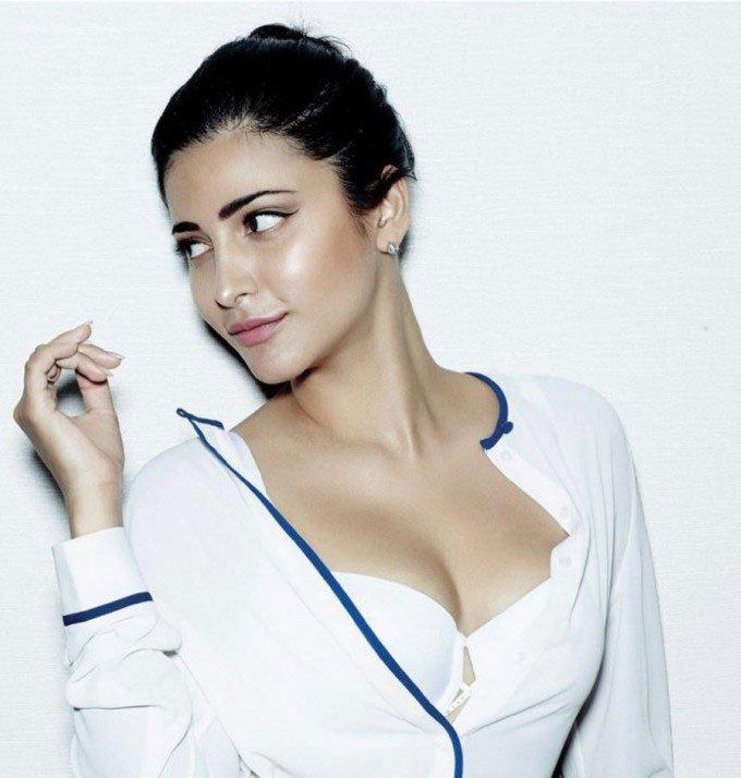 Shruti Hassan in FHM Magazine  http://blogonbabes.com/shruti-hassan-in-fhm-magazine/…   #ShrutiHassan #Bollywood #Fashion #India