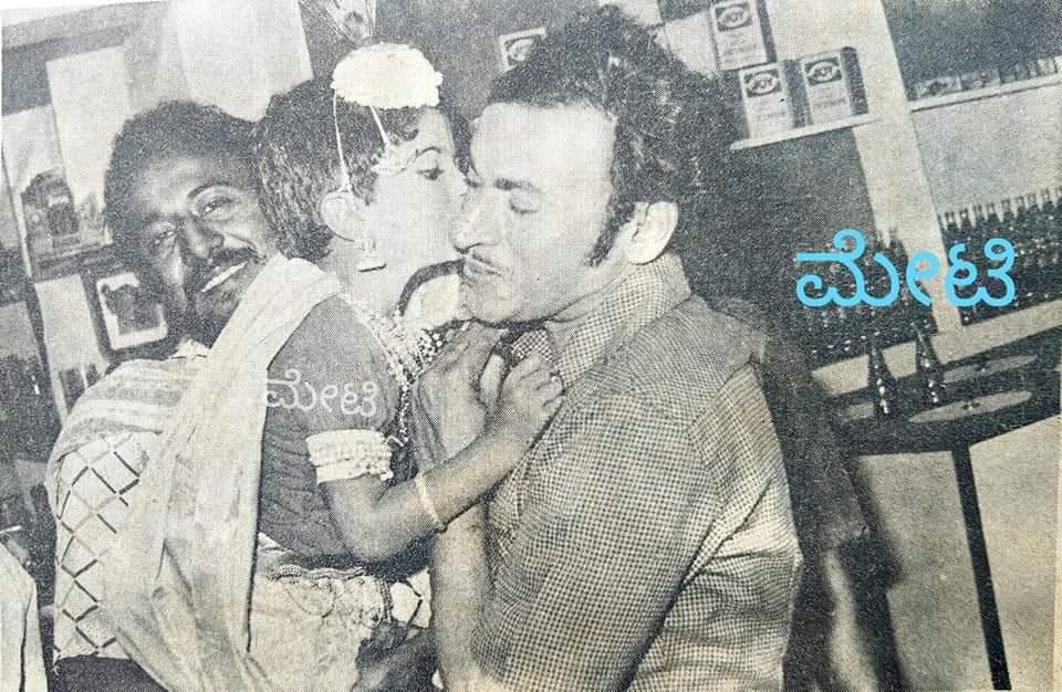 Very Rare pic ❤❤❤  #Annavaru and @PuneethRajkumar ❤❤❤  #Annavaru  #PuneethRajkumar