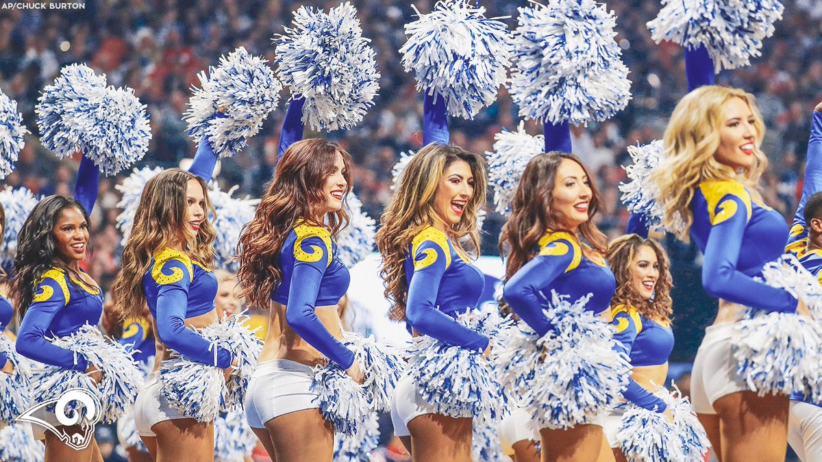 Raise your hands if you're missing @RamsNFL 🏈 season! 🙋♀️🙋♂️ https://t.co/lMOWoej6lh