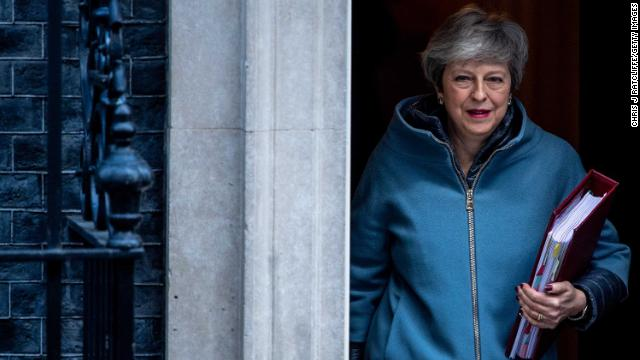 British Prime Minister Theresa May delays this week's parliamentary vote on her Brexit deal https://t.co/ocyH6SIdzl https://t.co/BQs2AiBTdQ