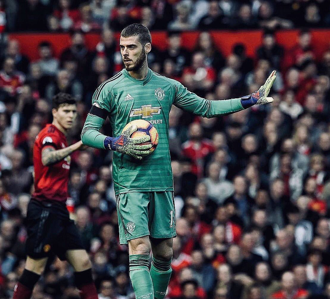 Proud to hit 100 @premierleague clean sheets today in the unbeatable stadium that is Old Trafford. What an atmosphere 🔥💪🏻 #MUFC