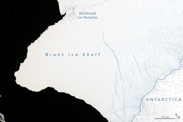 Neuer Rieseneisberg in Antarktis am Entstehen
