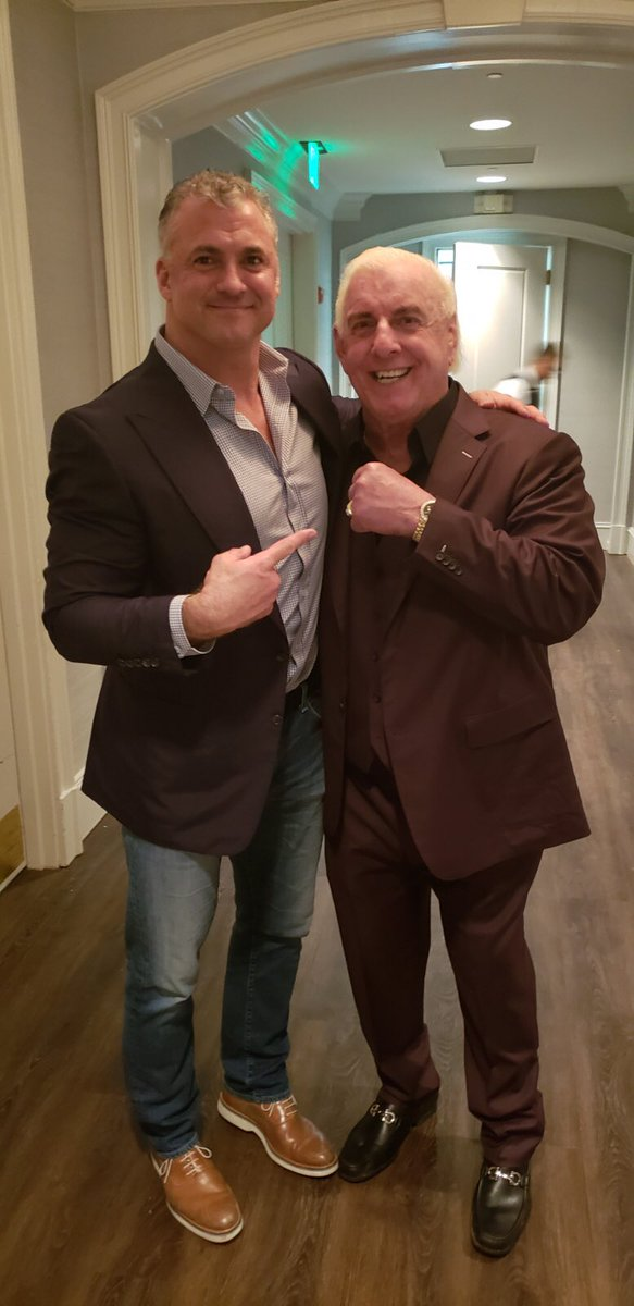 Such a great night celebrating this man's birthday. Happy 70th birthday, my friend. @RicFlairNatrBoy Woooo!