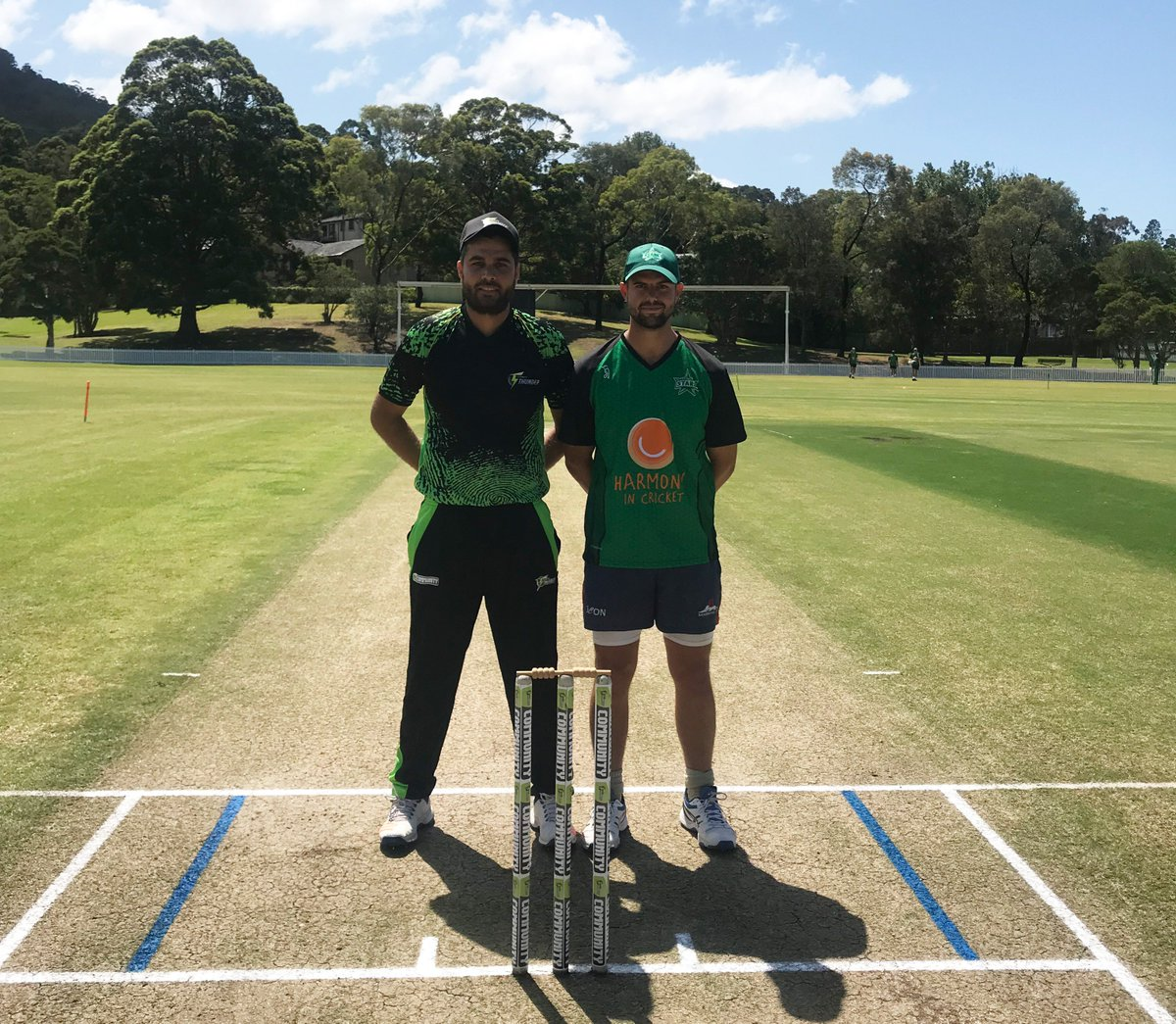 Perfect weather for our #MulticuturalT20 clash against @ThunderBBL in Wollongong 🌞  We've won the toss and are batting first. #TeamGreen