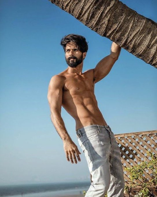 Tag who shares Birthday with Shahid Kapoor. Happy Birthday