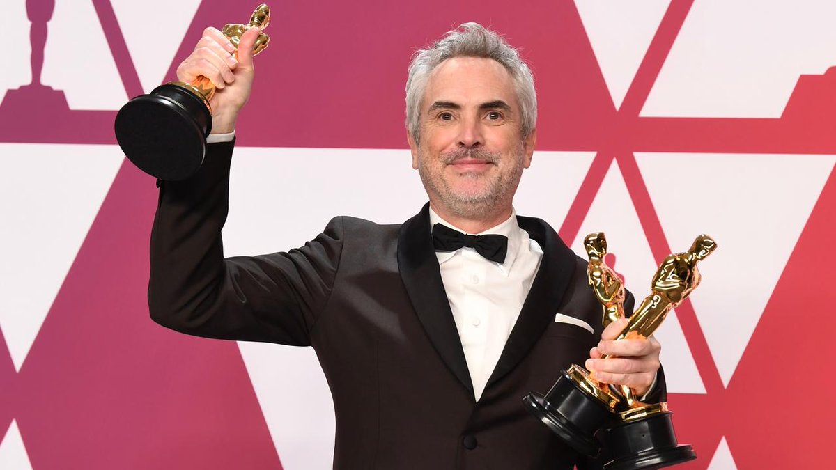 """Roma"" director Alfonso Cuaron: ""These awards belong to Mexico"" #Oscars https://bit.ly/2IAFWDR"
