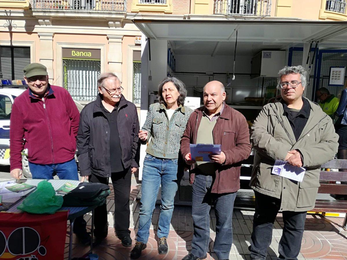 La militància del PCPV i EUPV recolza la campanya de @CCOO contra la pobresa energètica i pel dret a l'accés a l'ús de l'electricitat i el subministrament de gas domèstic. El passat dissabte es van arreplegar signatures i es va informar a la ciutadania a Requena. #FemPartit