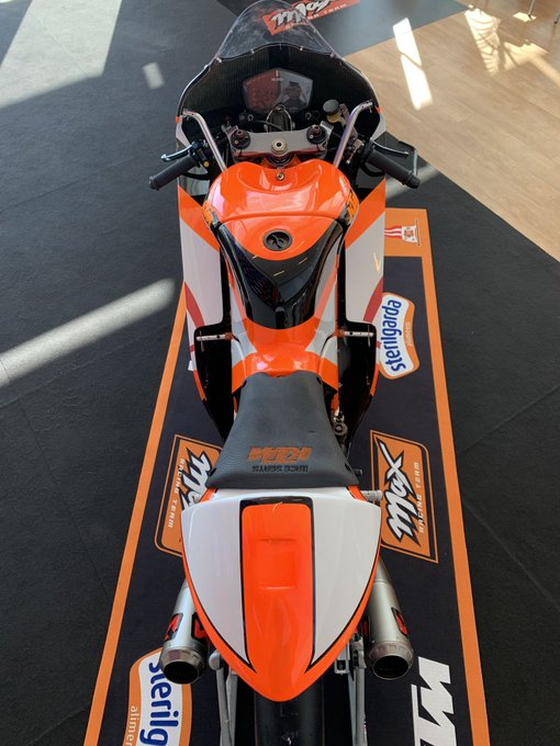 MOTO GP TESTS 2019 - Page 4 D0QJvzPWkAA8cde?format=jpg&name=small