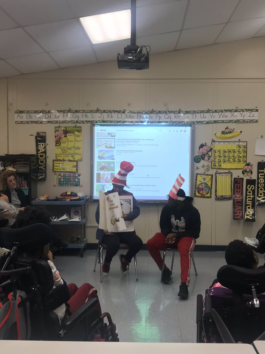 High School students reading to our Elementary students to begin Read Across America Week! #bcsssdpride @BCSSPrincipal @HillMrispo @Kidsfirstleader @AdellValasek
