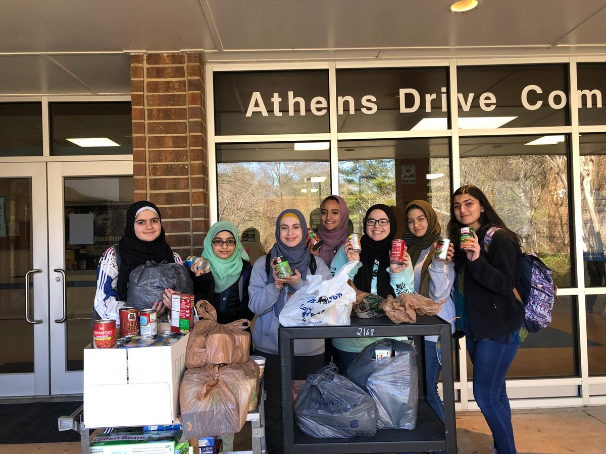 Thank you for everyone who helped out with Our Three Winners food drive. Also, Congrats to @MathWithMrWood first period class on collecting the most donations. #ourthreewinners #threewinnersfooddrive ❤️