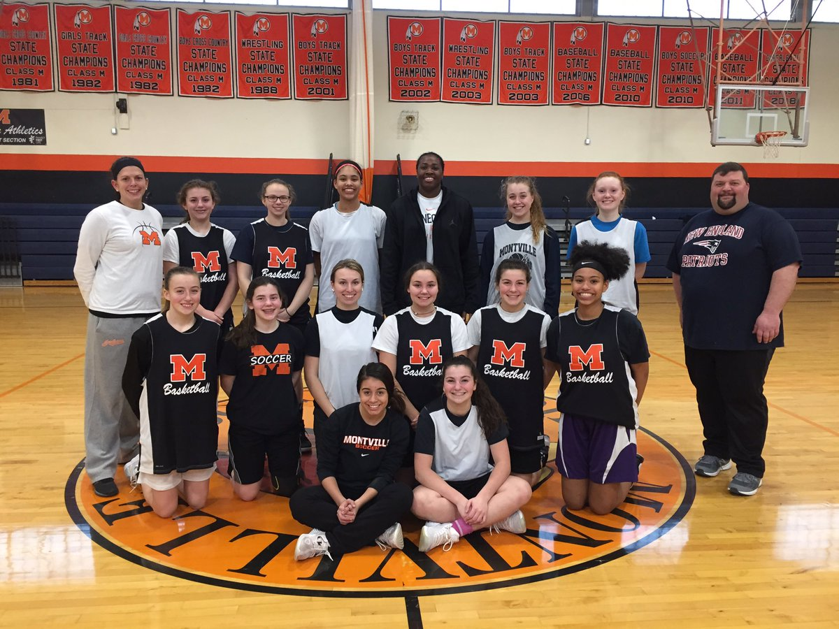 """Connecticut Sun on Twitter: """".@strick40 visited the Montville High School  girls basketball team today in advance of their first game of the state  tournament tomorrow! Good luck, girls!… https://t.co/9xELgDptGP"""""""