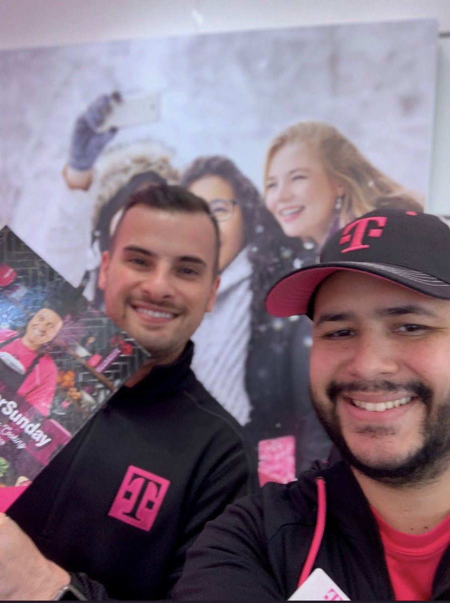 When our HR Generalist get into a #Selfiewar great things happen. Great job you guys for #engagement with our hardworking team. The #frontliners are the #realwinners #areyouwithus #TMobile #MondayMood #winterparkFL #sanford #broadview #daytona #tccwireless