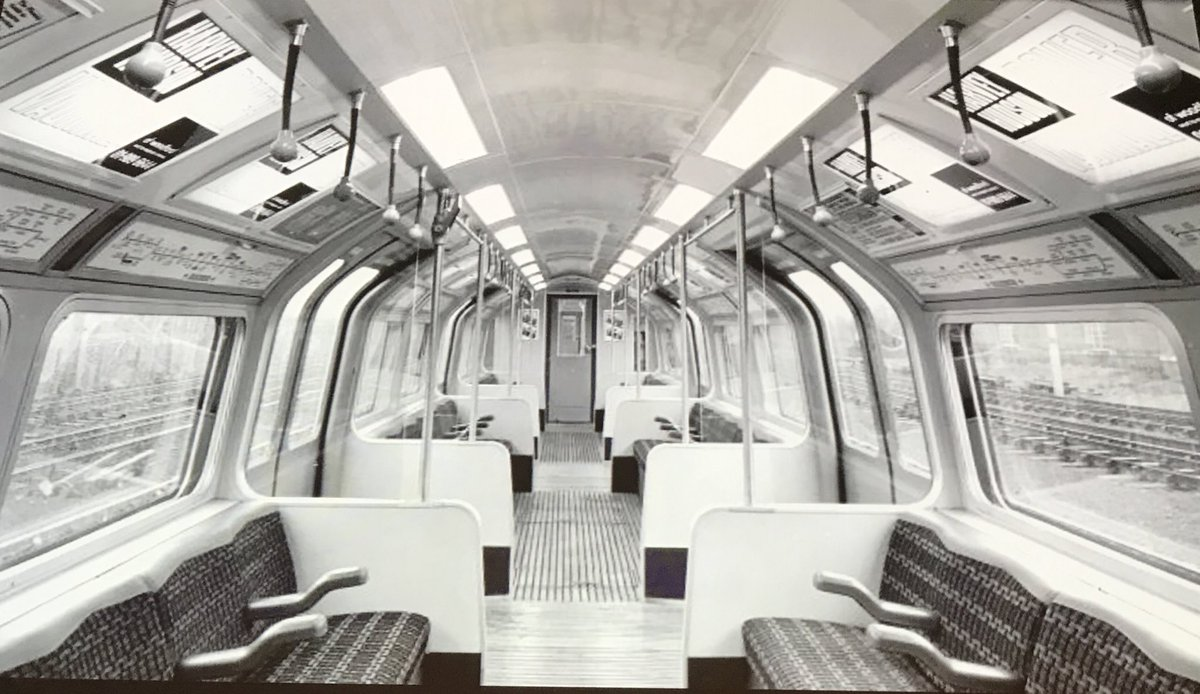 D0RelVxXgAE5ahQ - The Victoria Line's really big 50th birthday! #2