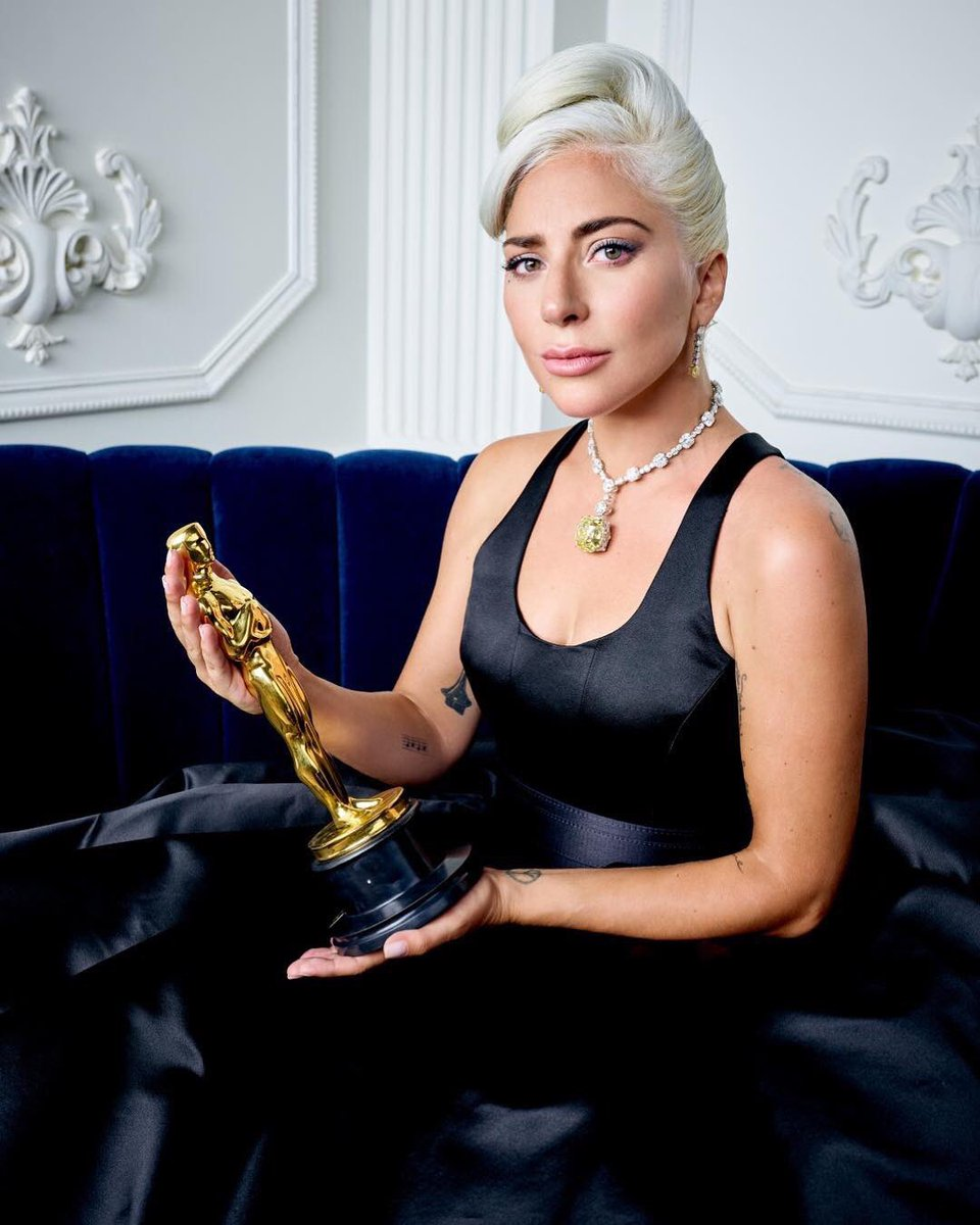 Official Oscars Portrait of Lady Gaga with Award - News ...