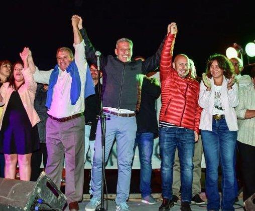 """Trevelin de fiesta """"CHUBUT al FRENTE"""" junto al Int. Aleuy. Apoyando a @arcionimariano @ric_sastre #2019 Agrupación 100% CORDILLERA, X estar siempre.  Gracias Gente Linda!!! #ConLaVerdadSeConstruye                                                        #JuntosParaChubut"""