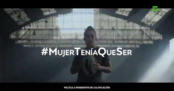 Nos unimos al deporte femenino con @LaLiga para visibilizar a todas las mujeres que, como #CapitanaMarvel, cada día van más alto, más lejos y más rápido. Ayúdanos a sacarlas a la luz y decir con orgullo #MujerTeníaQueSer.