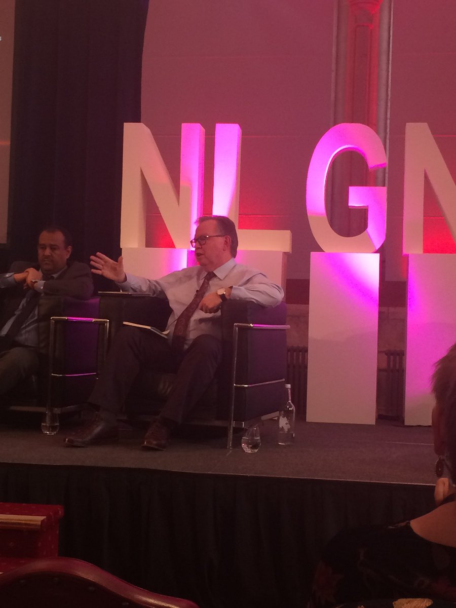 "An insight from ⁦@BarryQuirk1⁩  ⁦@RBKC⁩ : the role of a leader is to ""catalyse the leadership of other people"" ⁦@NLGNthinktank⁩  #nlgn19 conf #localgov"