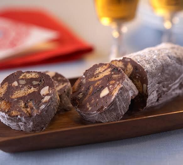 イタリア人の同僚がくれたチョコレートサラミなるお菓子がホントもう美味しくて美味しくて、何で出来てるのか聞いたら「チョコレートと、クッキーと、地獄みたいな量のバター」とのことです。 カ、カロリィィィィーーーーーーーーーーーーーーー!!! 同僚「1ヶ月のダイエットが無に帰すお菓子です」