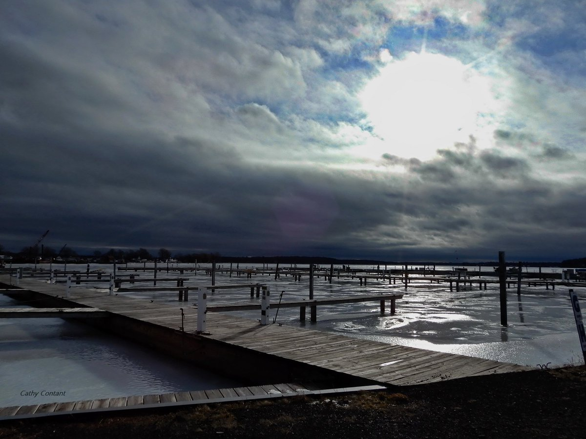 Quiet Sodus Bay before the storm (photo)