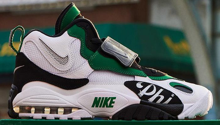 2764a98eb5 ... Nike Air Max Speed Turf retro at $120 + FREE domestic US shipping! BUY  HERE -> http://bit.ly/2tFmls1 (use promo code  LKSSAV20)pic.twitter.com/MOOYbms6rH