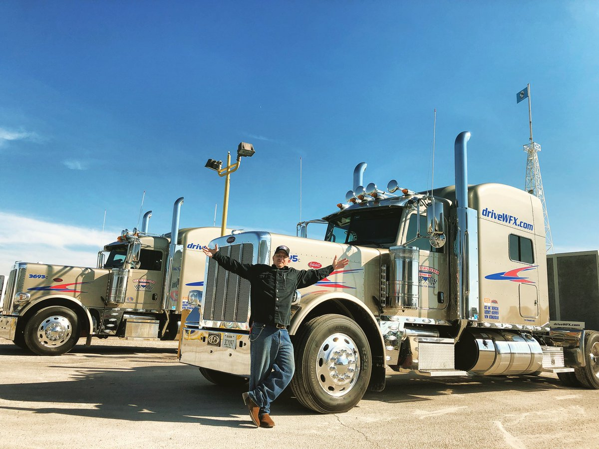 Check out these beeeyuutiful new champagne-color Peterbilts! . . . #peterbilt #truckerslife #ontheroad #trucker #trucklife #ontheroad #leasetoown #drivewfx