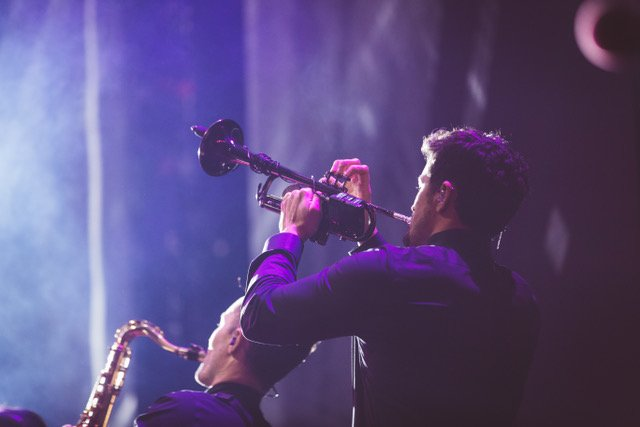 Honored to have @cbautist play the #InstrumentOfHope, a trumpet made out of discarded bullet casings, on tour ❤🎺 Keep gun violence conversations on the main stage. If other artists want to take the trumpet on tour, request it @ http://instrumentofhope.org @ShineMSD @HopeOnStage