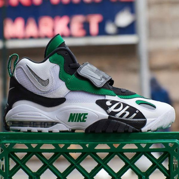 cd39d3ddea ... Nike Air Max Speed Turf retro at $120 + FREE domestic US shipping! BUY  HERE -> http://bit.ly/2tFmls1 (use promo code  LKSSAV20)pic.twitter.com/pEX1Q4HXZD