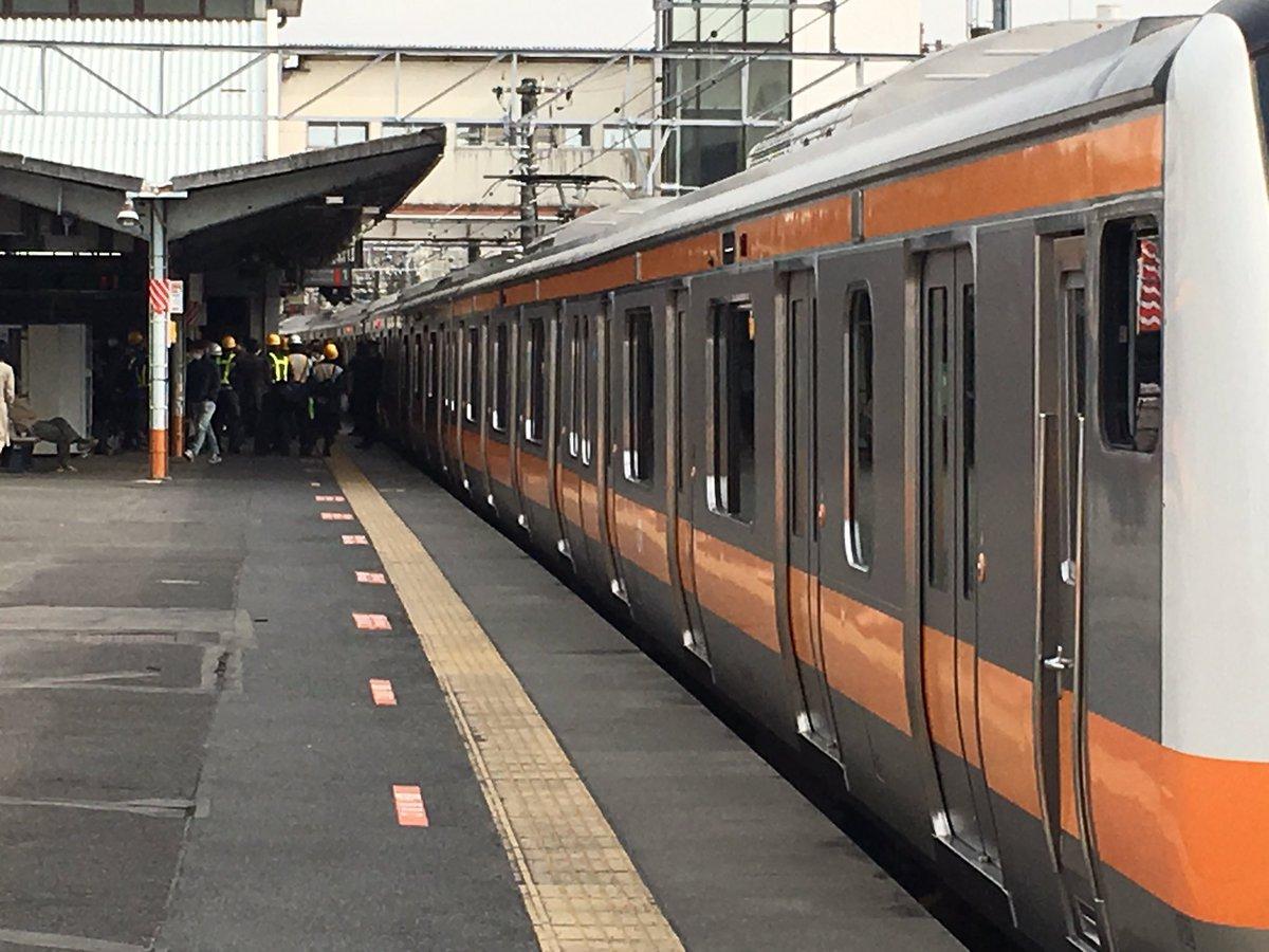 青梅線の西立川駅の構内で人身事故の現場画像