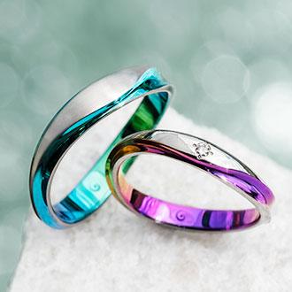 結婚指輪は拘らない派だったんだけどこれ見てから考えが完全に変わってしまった。SORAっていうブランドなんだけど、こんなにキレイで中の色も選べるんだよ…すごくない?お金貯めてでも絶対ここで買いたい。超絶憧れ…