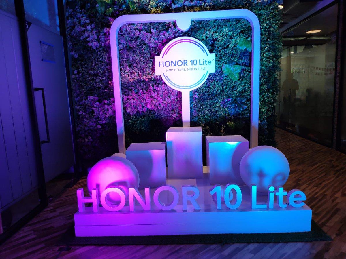 Honor 10 Lite, pesona memukau ponsel 6,21 inch 2