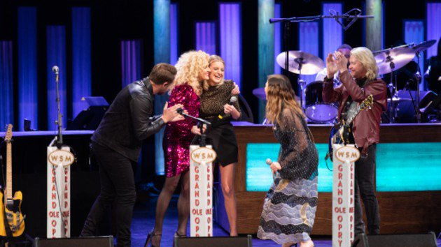 Girl Crush: Kelsea Ballerini Invited To Join Grand Ole Opry By Little Big Town  https://www. 94country.com/syndicated-art icle?id=923850 &nbsp; …  #KelseaBallerini #Opry #OpryMember #Congratulations #CountryMusic<br>http://pic.twitter.com/1U3cdbhVBj