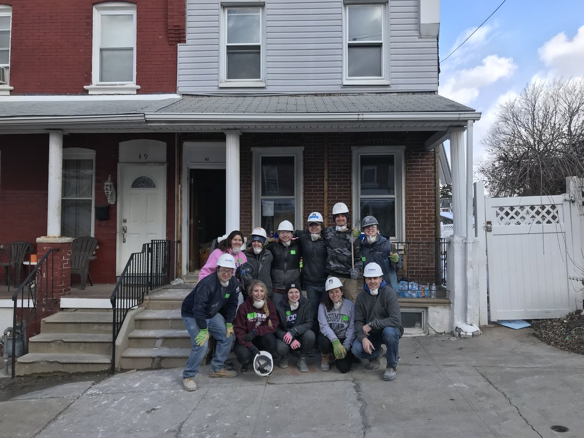 This group of students from @AssumptionNews are in Norristown PA taking @HfhMontDelco's #CollegiateChallenge.