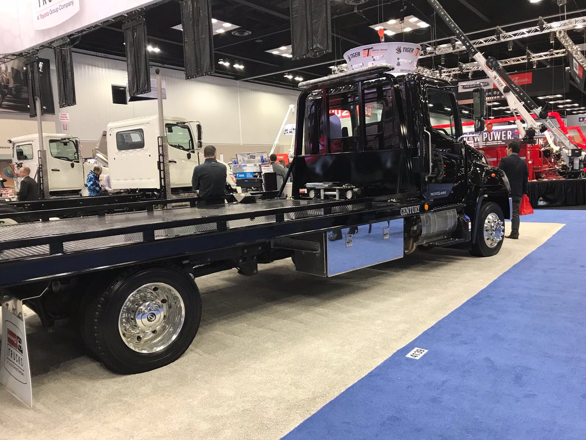 Work Truck Show 2020.At The Work Truck Show A Hino 258 With Gvw Of 25 500 Lbs
