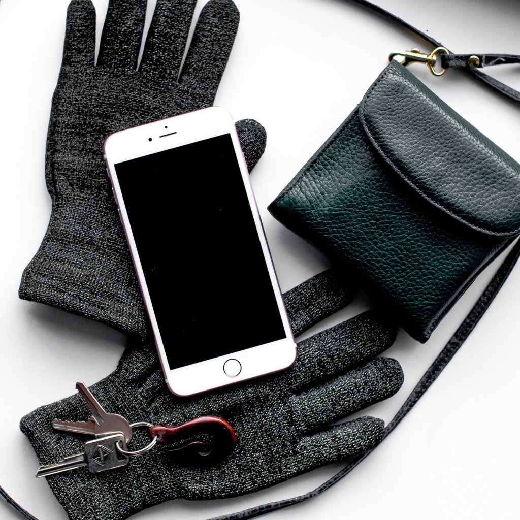 Winters not over yet! 🛒 SHOP NOW: http://www.glidergloves.com/amazon  #WinterAccessories #TouchScreenGloves #GetOutside #WinterGloves #Sale #TouchGloves #OnlineShopping #SmartPhoneGloves #AmazonSales #BestSeller #FreeShipping #FebruaryDeals