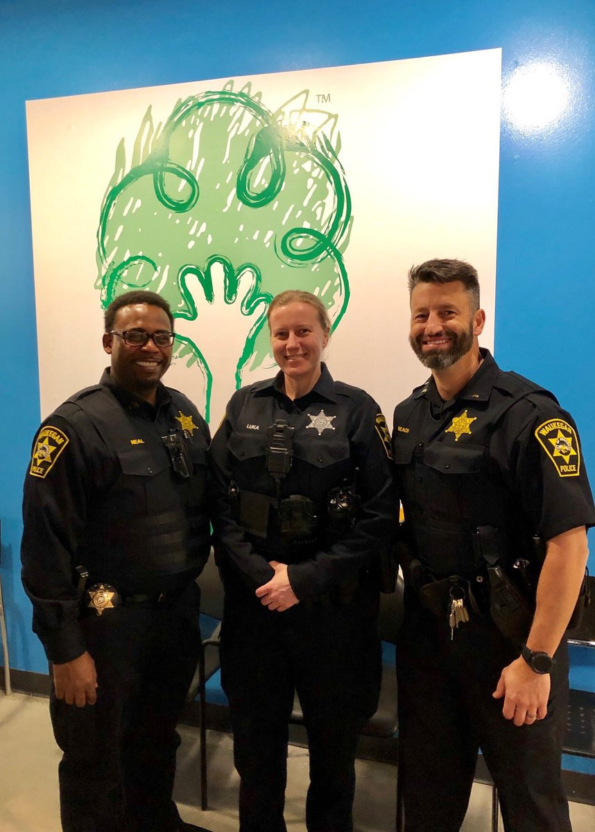 Thank you to Kohl Children's Museum for inviting us to come and play with the kids last Thursday, 2/21 and Saturday, 2/23. We enjoyed spending time reading and exploring with everyone! #kohlchildrensmuseum #waukeganpolice #popupshop https://t.co/tQjOQFfv05