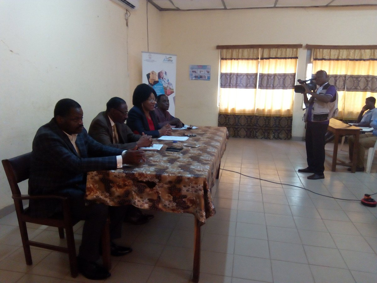 L'@AnpgfT en pleine séance d'information et de sensibilisation des opérateurs économiques d'Atakpamé sur le nouveau dispositif fiscal en vigueur au #Togo #Denyigban depuis le 1er janvier 2019.