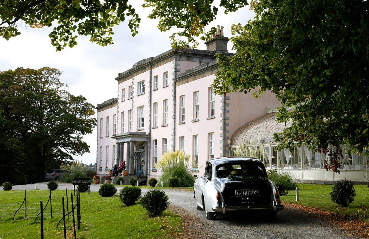 Is this #Ireland 's Dreamiest #wedding venue?  https://t.co/a4SooY3xDV https://t.co/2Q09Zjtuq2