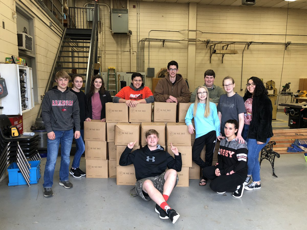 Thank you to @NationalFFA day of Service Grants and @ArkansasFFA for this generous donation to our food pantry. These boxes will make 10,080 meals!! @ThePackShackNWA