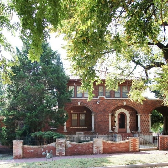 #Blackhistorymonth The Luster Mansion 300 NE 3rd street in @DeepDeuce of Ward 7 has rich history of Entrepreneur and Manufacturer Sidney Daniel Lyons. He may have been born in the Choctaw Nation in the Indian Territory in December 1860 or 1861; however, census records for 1880