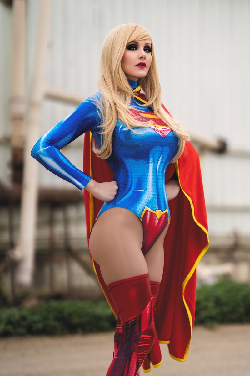 Angie Griffin Supergirl Cosplay