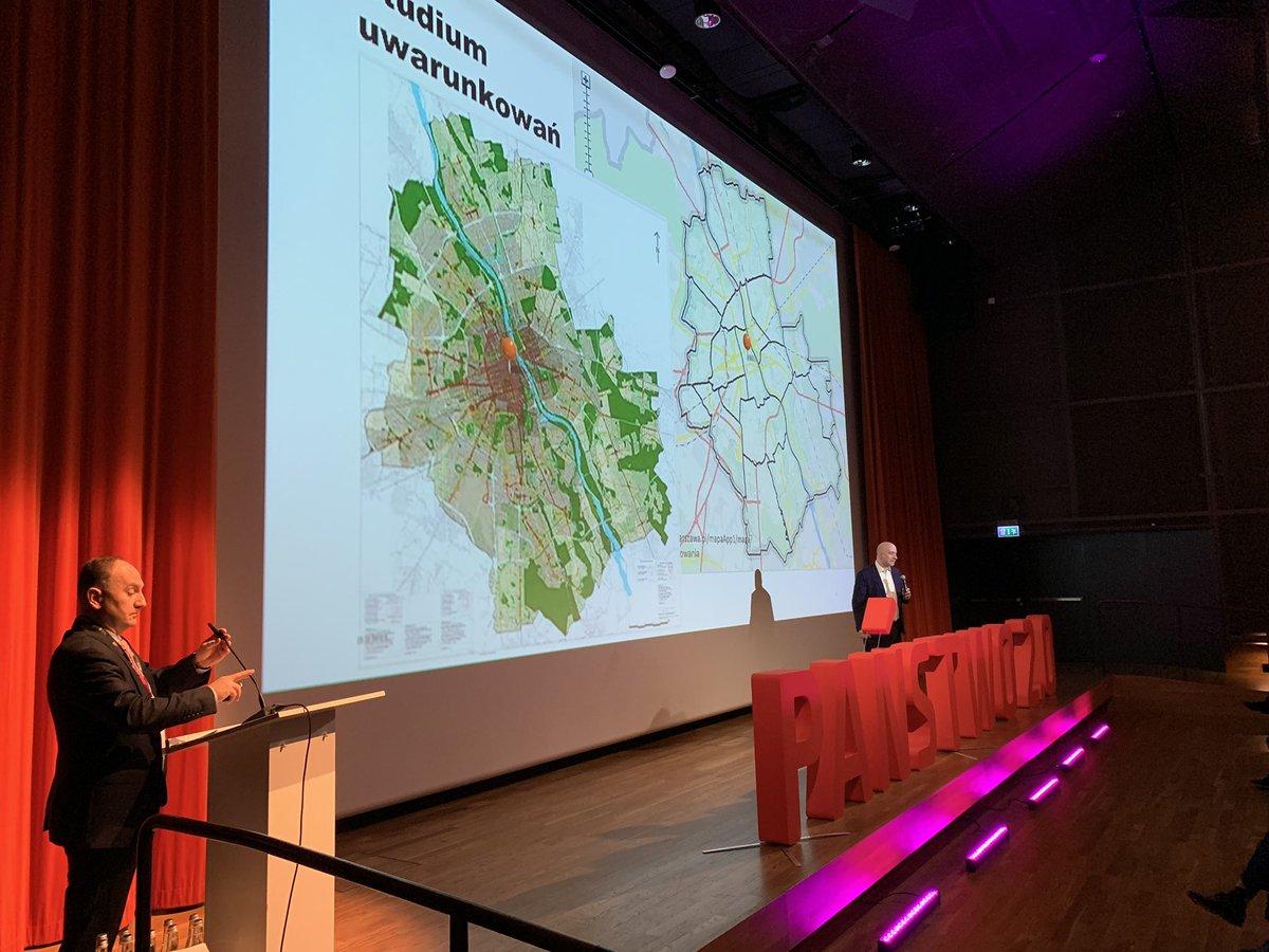 #Panstwo20 @Leszek_Masniak i Jacek Paziewski @MC_GOV_PL o architektonicznym planowaniu informatyki państwa: technika po zbudowaniu warstwy legislacyjnej, organizacyjnej i semantycznej. https://t.co/zhgAAiVAud