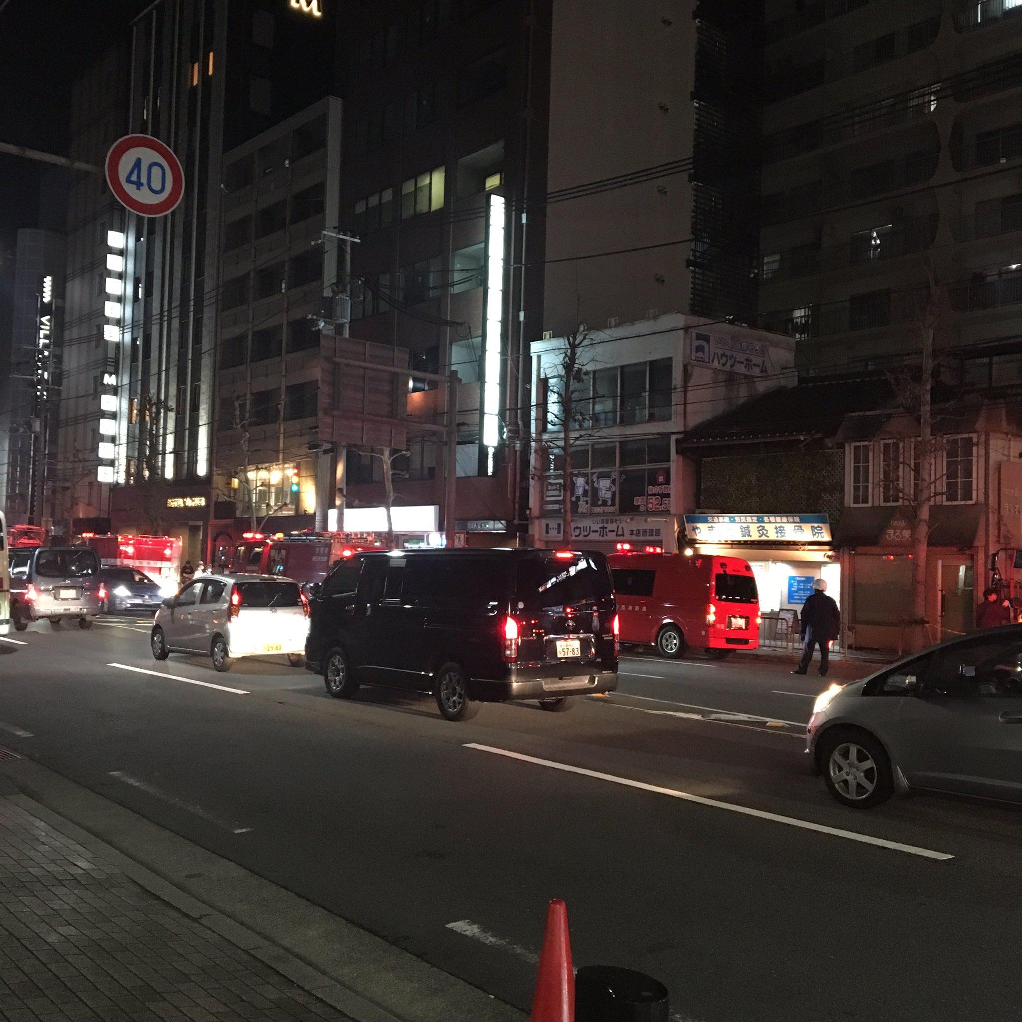 画像,騒がしいと思ったら、ホテルの目の前が火事やった🔥🔥🔥 https://t.co/UvtDM4YydS。