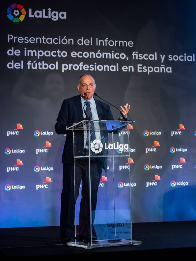 """Hoy presentamos  con @PwC_Spain  Informe de impacto económico, fiscal y social del fútbol profesional en España. @laliga Gracias a los clubes , por lo que se ha conseguido en tan solo 4 ejercicios.  Que algunos con sus """"ideas"""", no lo estropeen."""