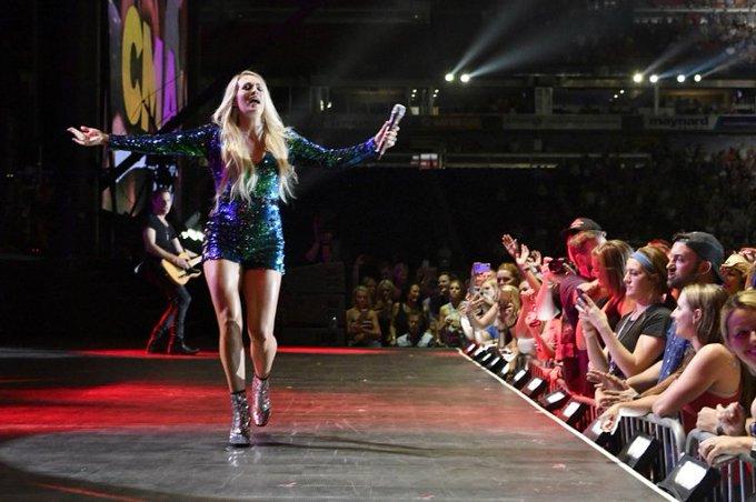 Watch Carrie Underwood Inhale Helium and Sing Happy Birthday