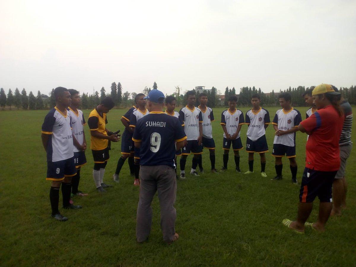 Terus bergerak siapkan pesepak bola muda U 17 dari Mranggen Karangawen @RerieLMoerdijat  @NasDem  @banghadi9