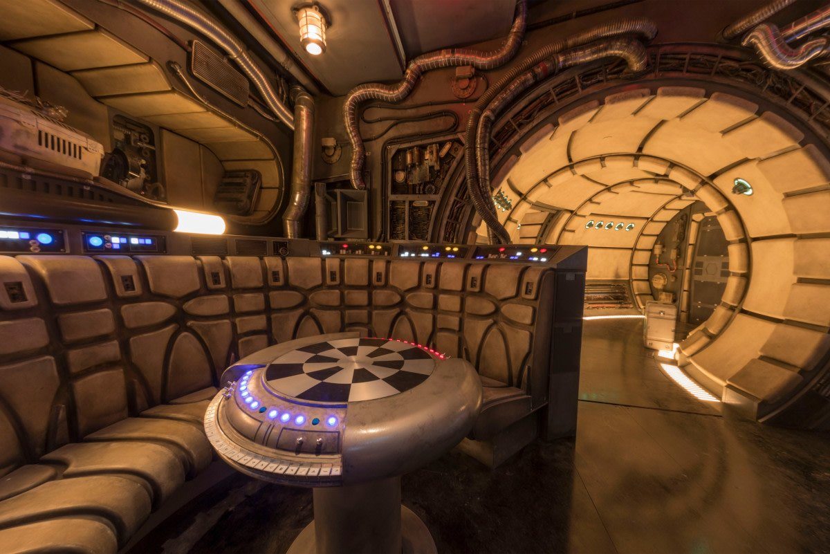 Millennium Falcon: Smugglers Run has a life-size Hondo Ohnaka animatronic and porgs! Rise of the Resistance is insane! New details on #GalaxysEdge's attractions: http://bit.ly/2IFsMW9