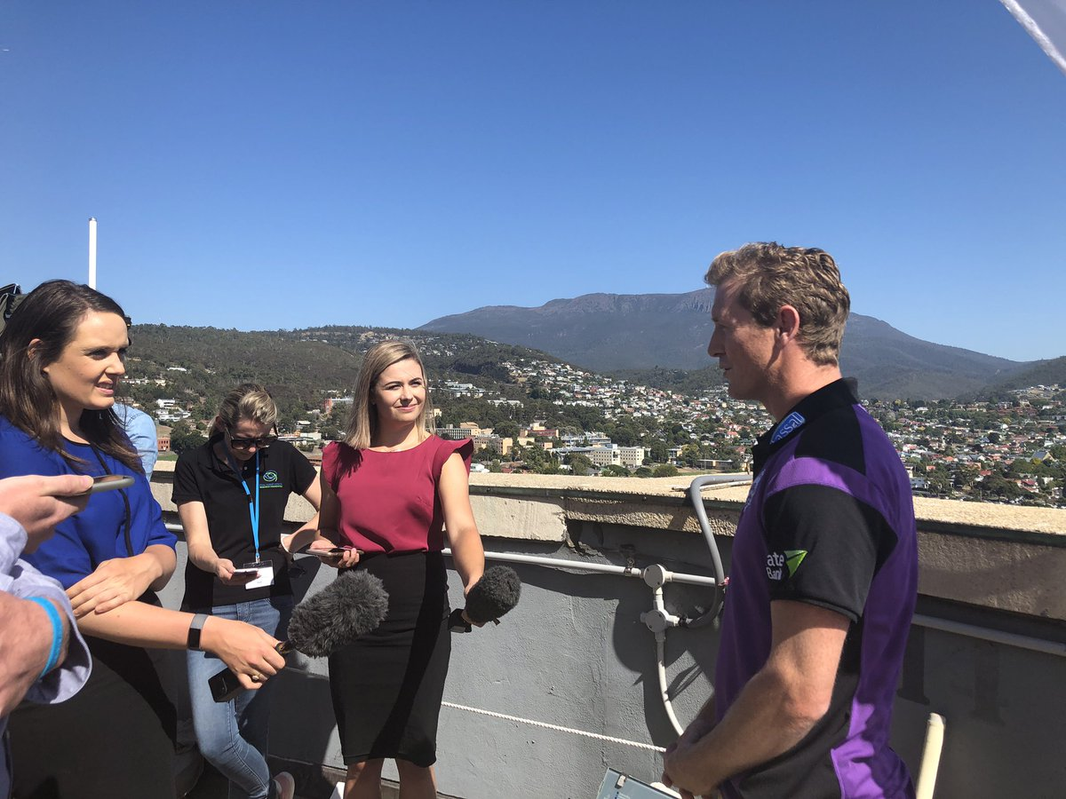 George Bailey has put @CricketTasCEO's & @JamesFaulkner44's names forward to the media as the @crickettas representatives to abseil off the EDGE at Wrest Point this June for the Royal Hobart Hospital Research Foundation.  Thoughts, guys? 🤔  #TasmaniasTeam