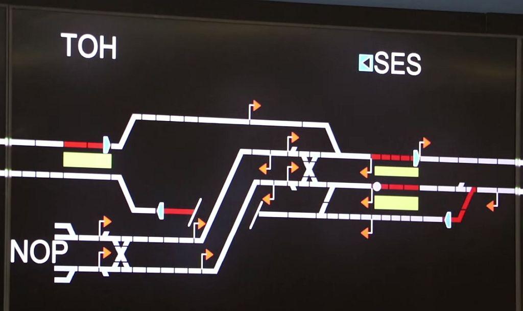 D0iNQudXQAAwrEM - The Victoria Line's really big 50th birthday! #3