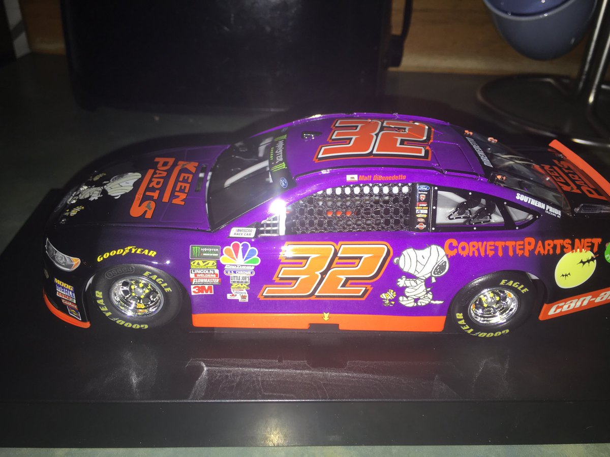 Wooo 🔥🔥 @mattdracing @KeenParts car finally came @Lionel_Racing